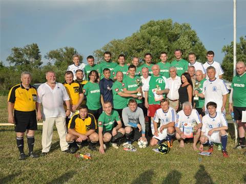 Команды правительств Самарской области и Мордовии провели товарищеский матч по футболу