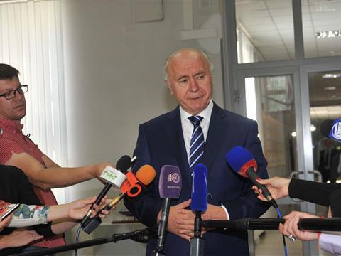 Глава региона Николай Меркушкин проголосовал на избирательном участке Ленинского района Самары