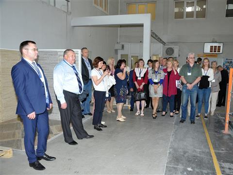 """Назаводе """"Самарский Стройфарфор"""" состоялось заседание общественного совета при Минтруда"""