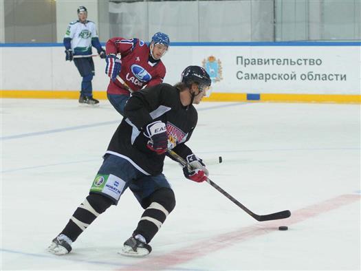 """ХК """"Лада"""" одержал первую в сезоне победу в основное время над действующим чемпионом КХЛ - 3:2"""