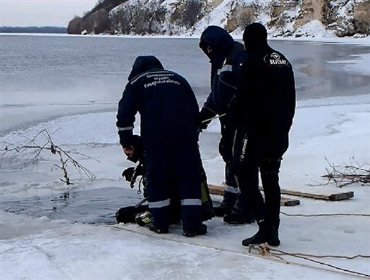 Спасатели прекратили поиски пропавших снегоходчиков