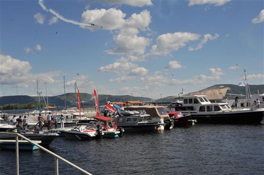 """В яхтенном клубе """"Дружба"""" в Тольятти начала свою работу выставка Volga boat show"""