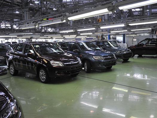 АвтоВАЗ по итогам года рассчитывает продать на 150 тыс. авто меньше, чем в 2013 году