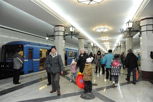 """Станция метро """"Алабинская"""" начала обслуживать пассажиров"""