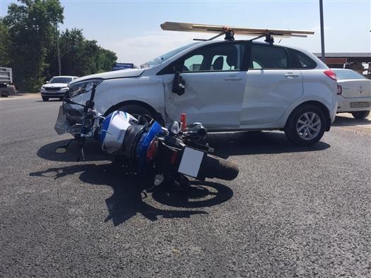 В Самаре автомобилист сбил женщину на мотоцикле