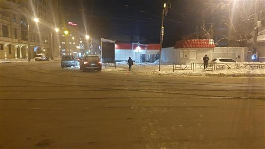 Водитель Lexus сбил женщину и ребенка на переходе в Самаре