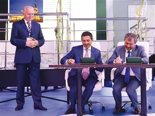 """Николай Меркушкин принял участие в подписании соглашения между компаниями """"Роснефть"""" и """"САНОРС"""""""