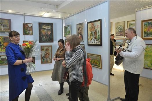 В выставочном зале Союза художников открылась первая персональная выставка Светланы Кузиной