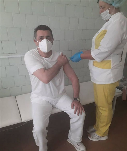 """Президент БК """"Самара"""" Камо Погосян прошел вакцинацию от коронавируса"""