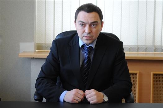 Дмитрий Бажуткин имеет опыт работы в органах власти