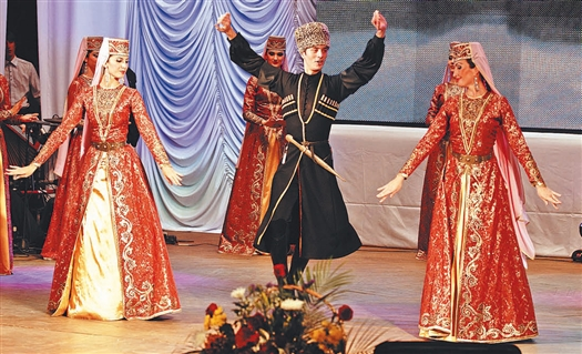 Гостей на концерте приветствовали представители региональной национально-культурной организации «Вайнах».