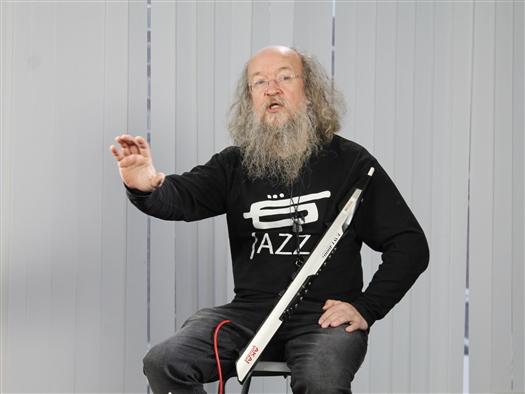 Музыкант Сергей Летов выступил перед самарцами как лектор