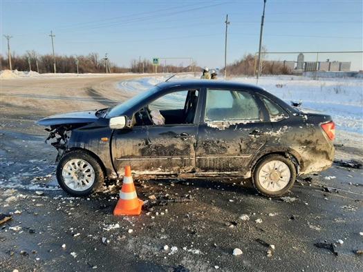 Четверо пострадали при столкновении двух Lada в Самарской области