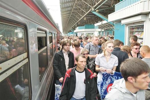 Самарцам, которые выбрали электрички, выдали более 10 тысяч бесплатных проездных билетов