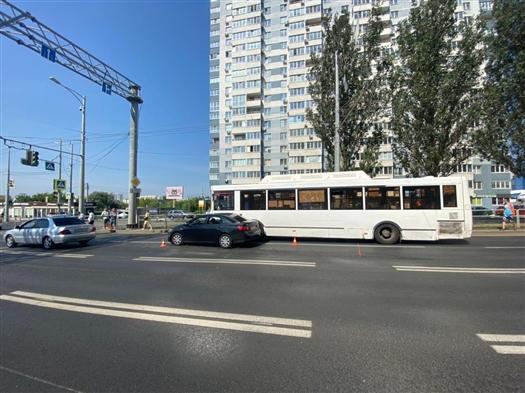 В Самаре в ДТП с легковушкой и автобусом пострадали пассажиры общественного транспорта