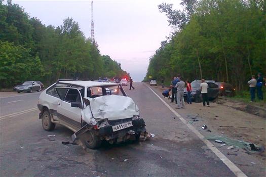 В эксперименте приняли участие 9 машин и примерно 20 человек, среди которых очевидцы аварии