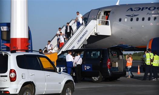 Сборная России по футболу приехала в Самару
