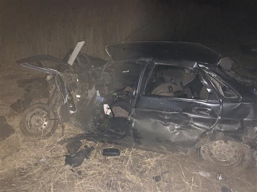 В Самарской области погиб пассажир Lada Priora, столкнувшейся с двумя грузовиками