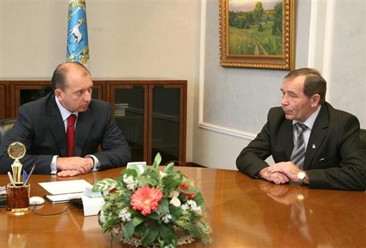 Губернатор провел встречу с главой Красноармейского района Павлом Елиным.