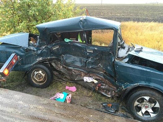 Один человек погиб и один пострадал в ДТП с тремя машинами под Самарой