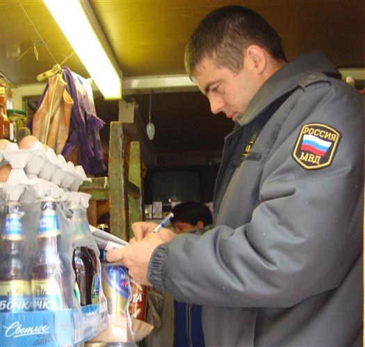 Сотрудники отдела милиции Кировского района провели рейд, чтобы узнать, продают ли несовершеннолетним самарцам алкоголь в магазинах