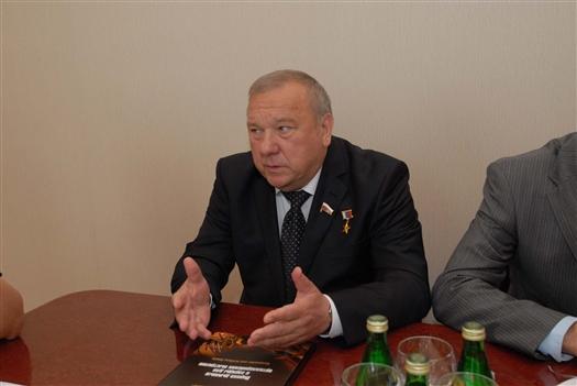 """Владимир Шаманов: """"Самарская область играет огромную роль в укреплении обороноспособности страны"""""""