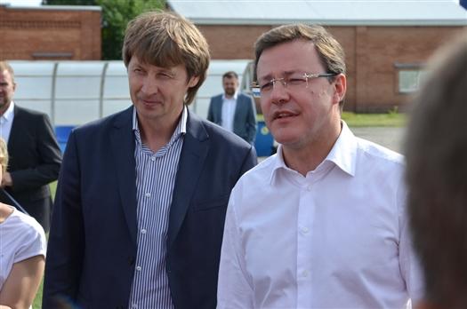 Игорь Кечаев и губернатор Дмитрий Азаров во время июльского визита делегации спонсоров и облправительства в академию