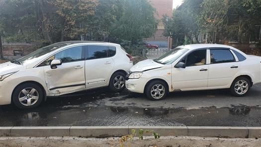В ДТП на ул. Ленинской в Самаре пострадала пассажирка легковушки