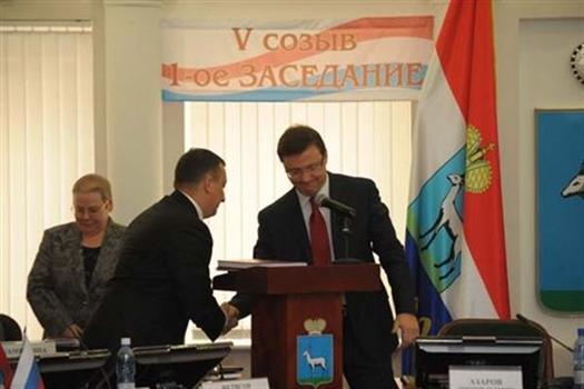 Азаров отправил бюджет Фетисову
