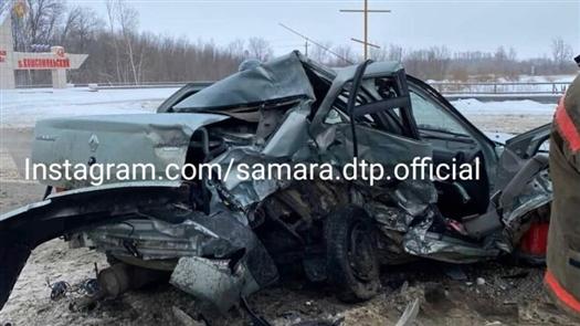 На трассе Самара-Бугуруслан разбились Lada Granta и Renault Logan