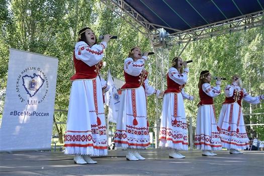 Национальные общественные объединения приняли участие в концерте и футбольном турнире