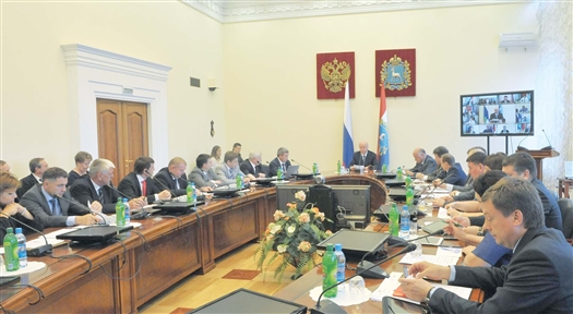 Николай Меркушкин особо подчеркнул, что состав кабинета министров был подобран исходя из принципов профессиональности и неиспорченности. «Все правительство должно работать на благо Самарской области, другого варианта быть не может», - заявил губернатор