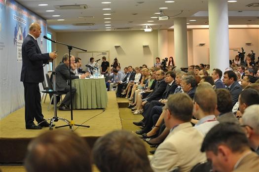 """Николай Меркушкин: """"По программе капремонта в 2015 году уже сделано более 500 домов"""""""