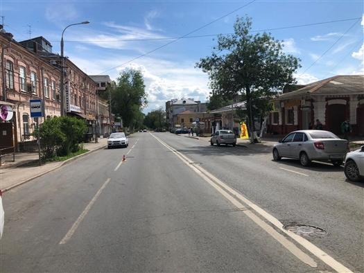 В центре Самары пешеход попал под такси