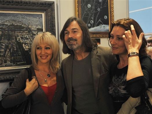 На минувшей неделе в Самару заезжал бывалый ловелас и известный художник Никас Сафронов