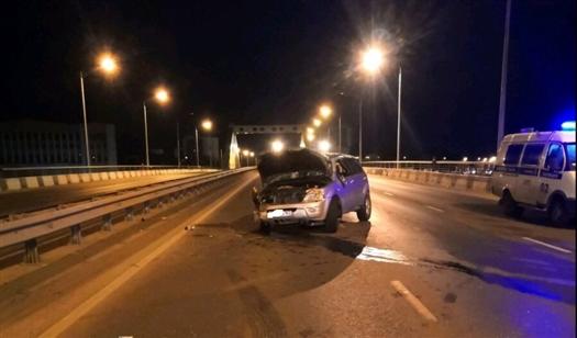 Двое пострадали при ночном ДТП с тремя машинами на Фрунзенском мосту в Самаре