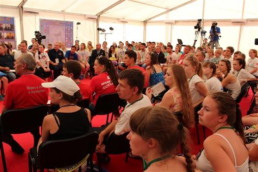 """Организаторы форума """"iВолга-2015"""" провели телемост с Брестской крепостью-героем"""