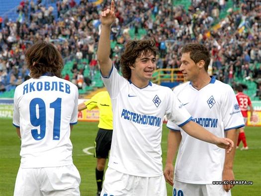 Сотрудничество Соснина и Тарханова, идущее на пользу молодому игроку, решено было продолжить