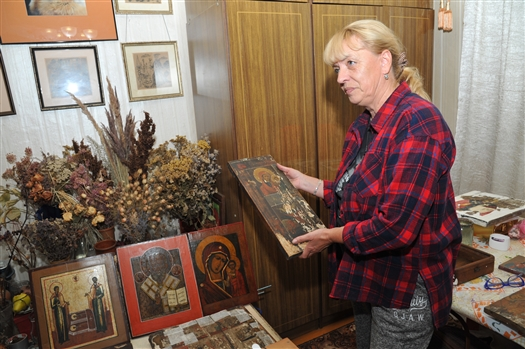 Художник и реставратор из Жигулевска Ирина Вотякова дает вторую жизнь старинным иконам