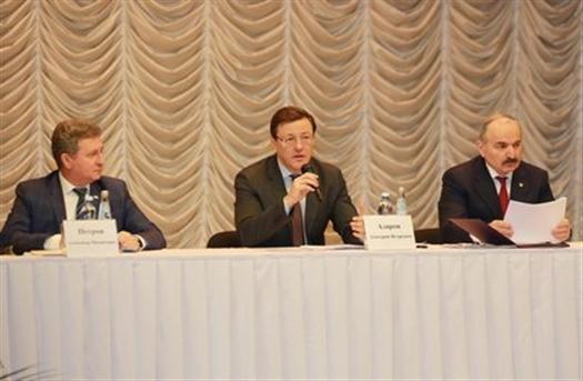 Дмитрий Азаров провел совещание, посвященное вопросам развития АПК
