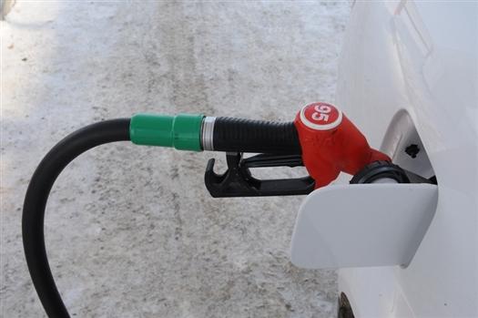 В собственность топливного оператора могут перейти более половины АЗС, ранее работавших под его брендом
