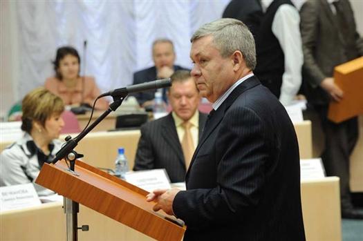 Под председательством и.о. губернатора Самарской области Александра Нефёдова состоялось внеочередное заседание правительства, на котором было  одобрено 13 вопросов