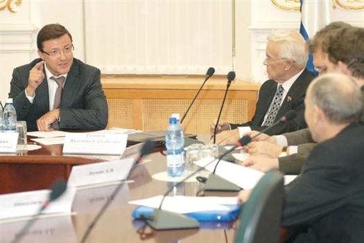 Дмитрий Азаров заявил, что городские власти внимательно отнесутся ко всем предложениям, прозвучавшим от представителей КПРФ.