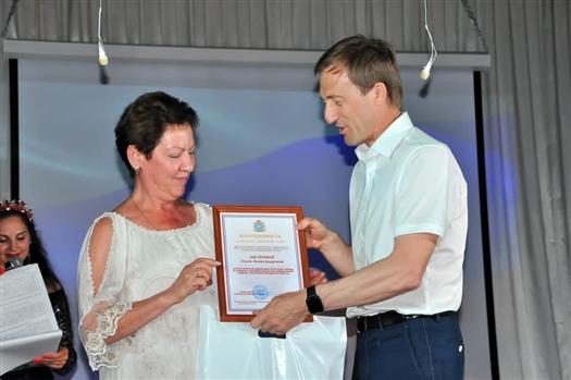 Александр Живайкин поздравил медработников с профессиональным праздником