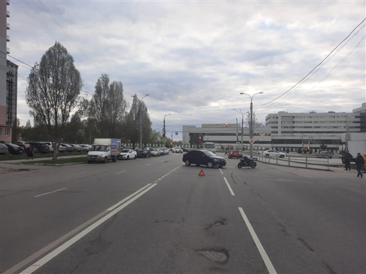 В Самаре Renault Logan врезался в мотоцикл