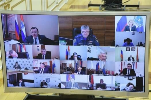 Дмитрий Азаров поручил найти варианты использования бывших корпусов гуманитарной академии