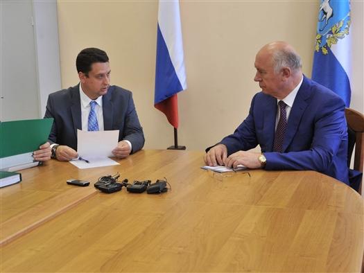 Николай Меркушкин представил в облизбирком подписи для официальной регистрации в качестве кандидата