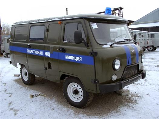 Охранник-водитель в Самарской области не справился с управлением и врезался в автозак.