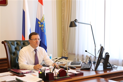 """Дмитрий Азаров: """"В прямом диалоге с жителями можно эффективно решать вопросы"""""""