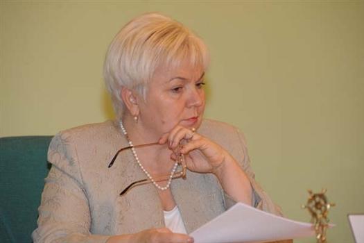 Для Галины Хабаровой, как и для других  кандидатов, депутатское кресло - лишь ступень к посту градоначальника